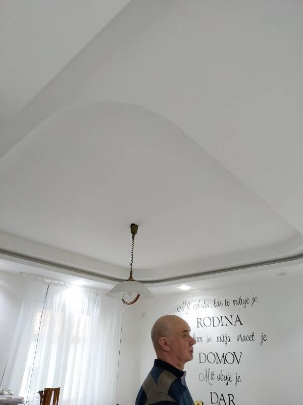 Lesklé translucidní napínané stropy Ljubava Plus, s.r.o.