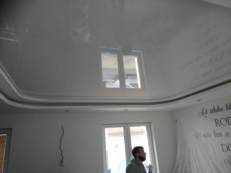 Lesklé translucidní napínané stropy 7