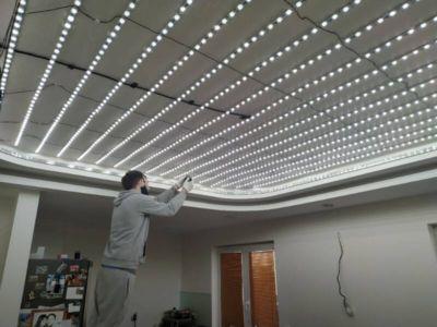 Lesklé translucidní napínané stropy 4