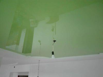 Zelený pnutý strop Plzeň 4