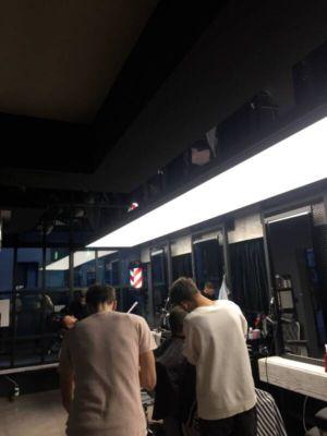 napínané stropy v barber shopu 5