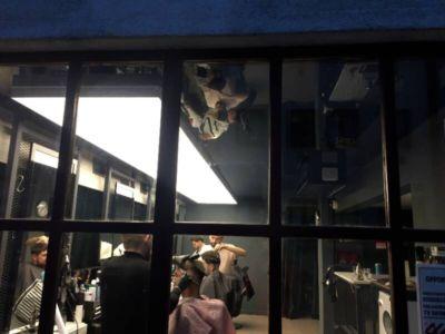 napínané stropy v barber shopu 8