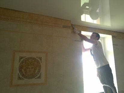 Montaž pnutých stropních podhledů