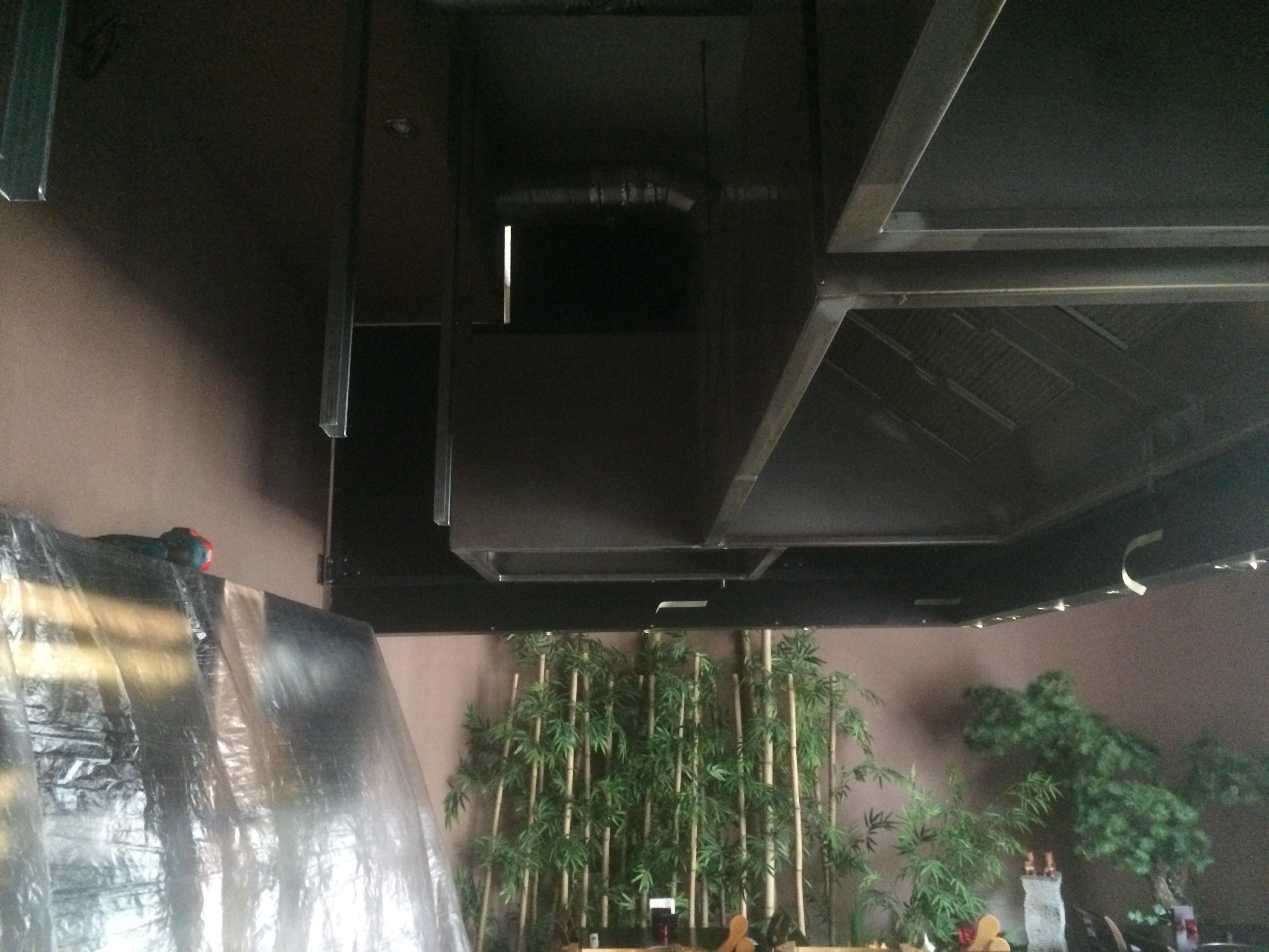 Strečové stropy v sushi baru