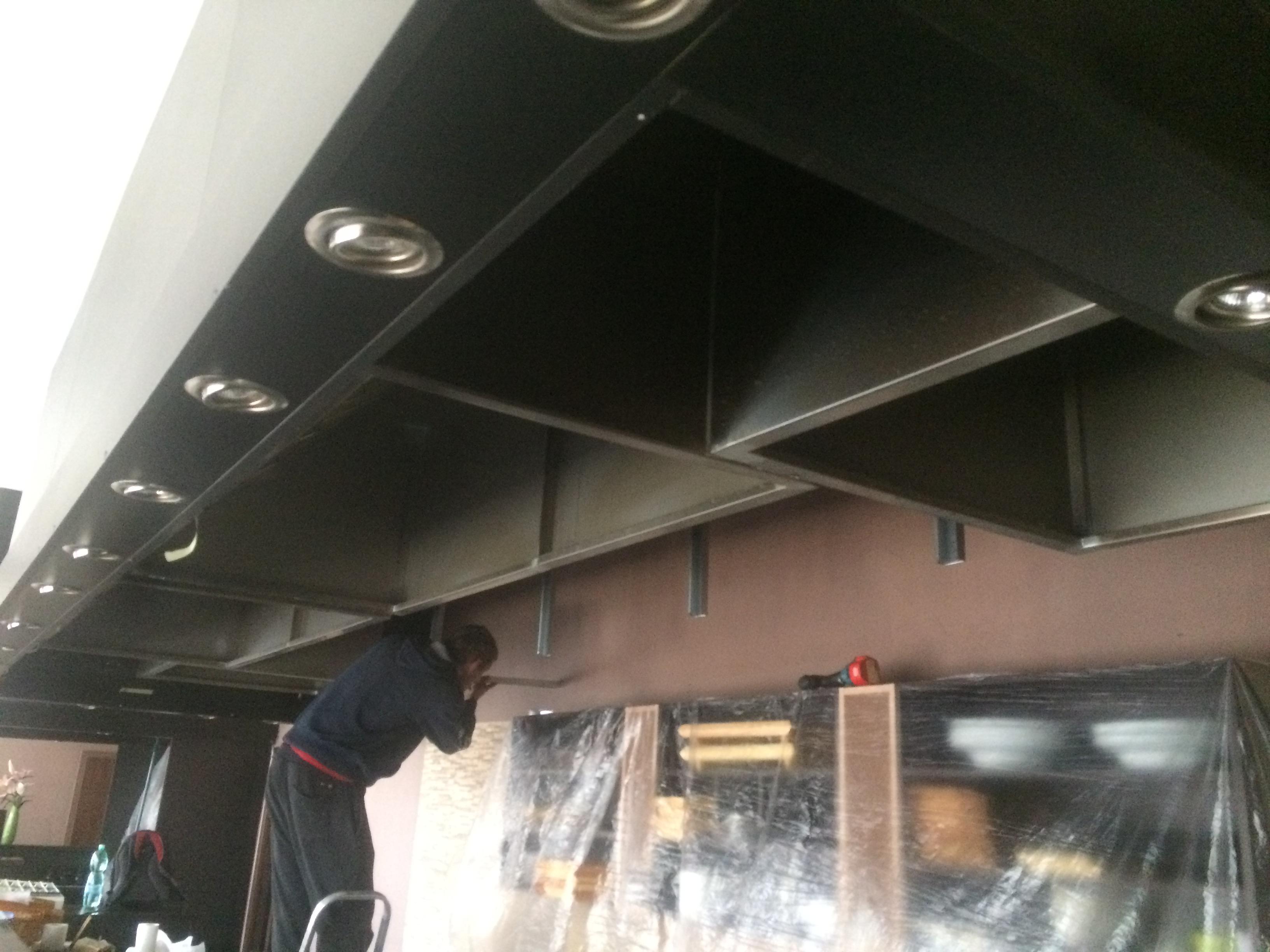 Napínané stropy v sushi baru