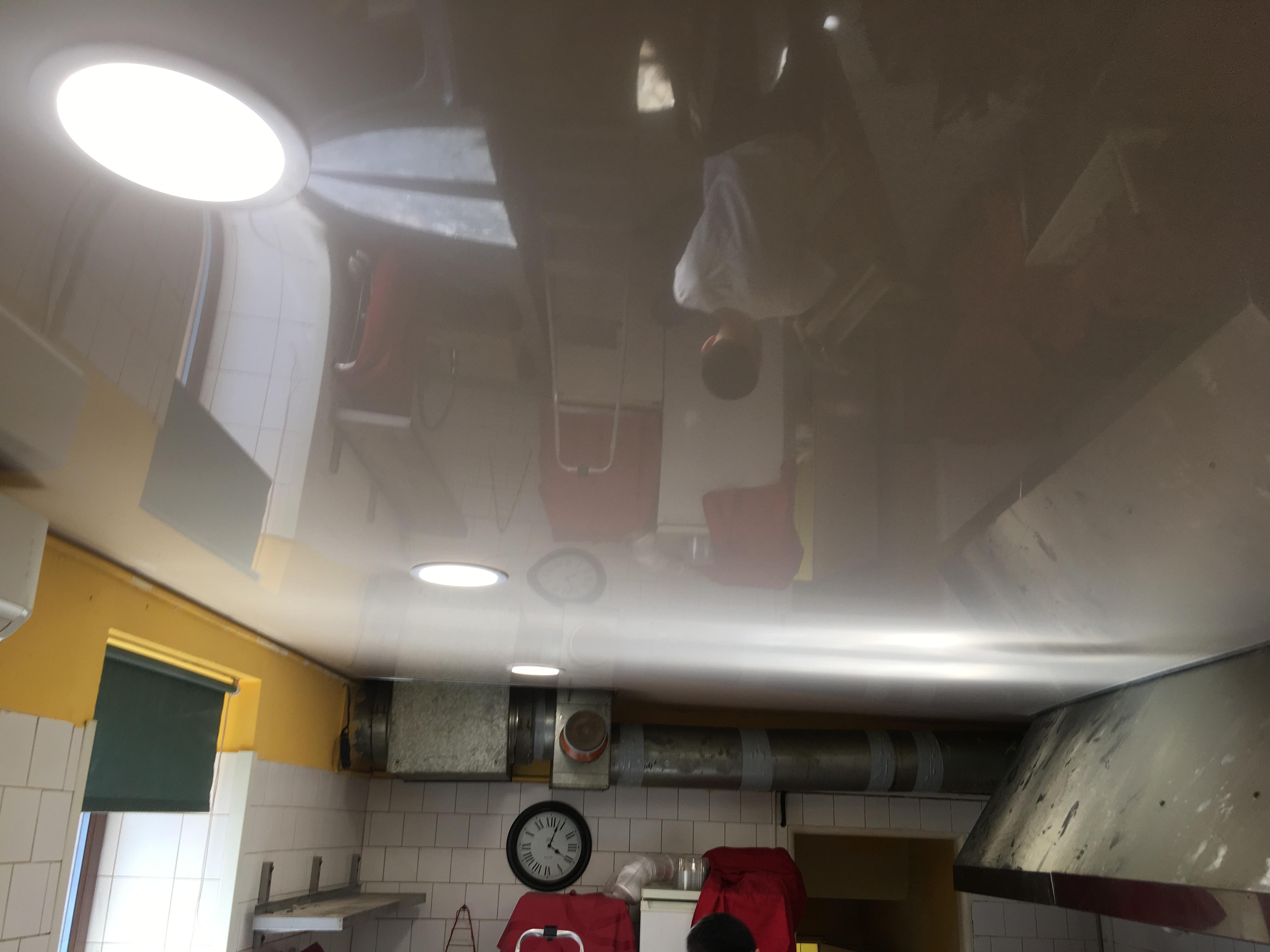 Bezprašné stropy v kuchyně