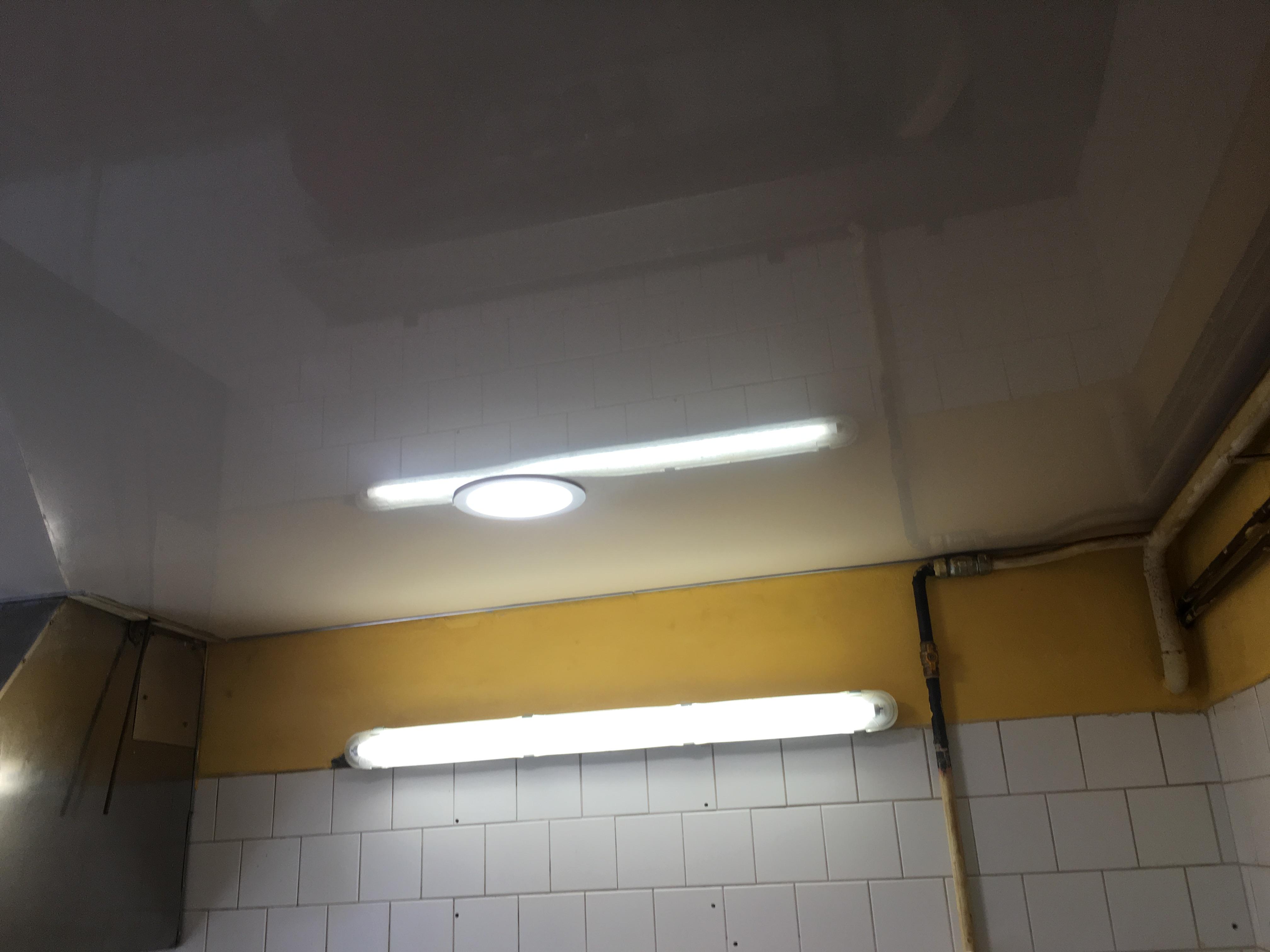 Bezprašné stropní podhledy v kuchyně