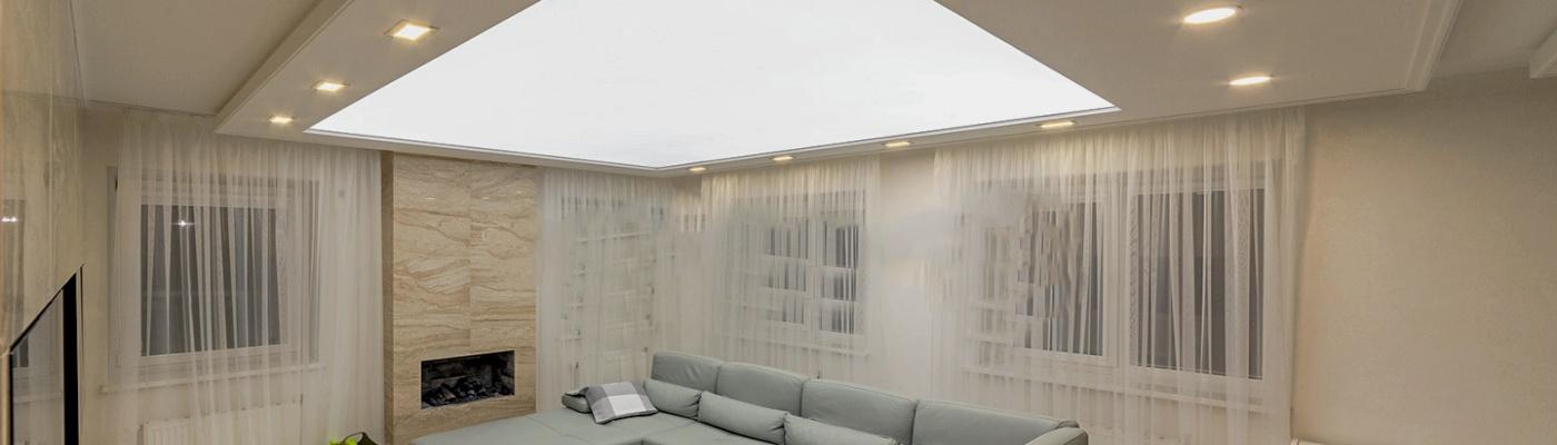 Celoplošně podsvícený strop